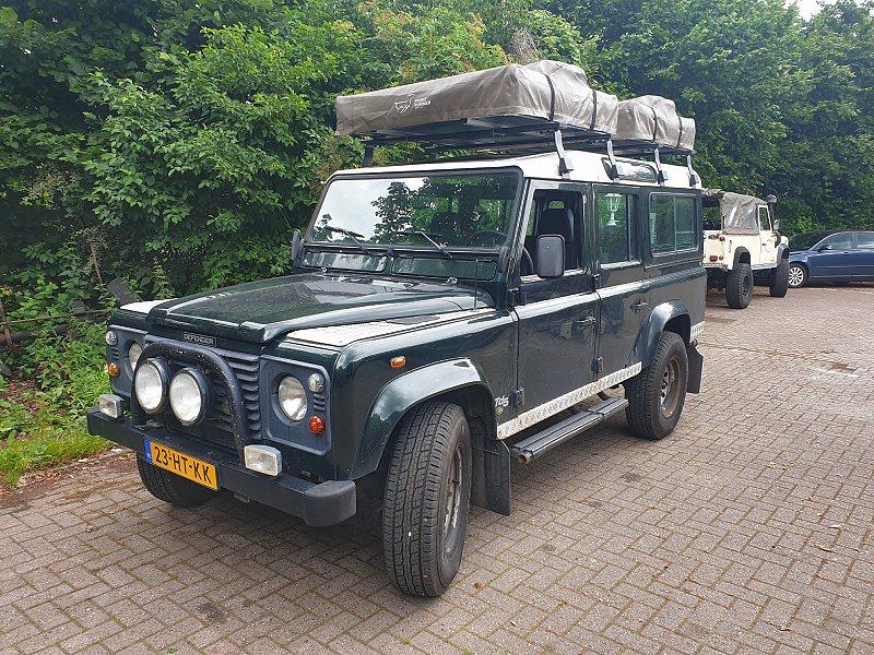 Huur een Land Rover Defender TD5 Stationwagon bij Larorent Land Rover verhuur
